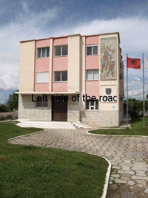 Bashkia Mosaic - Ura Vajguror