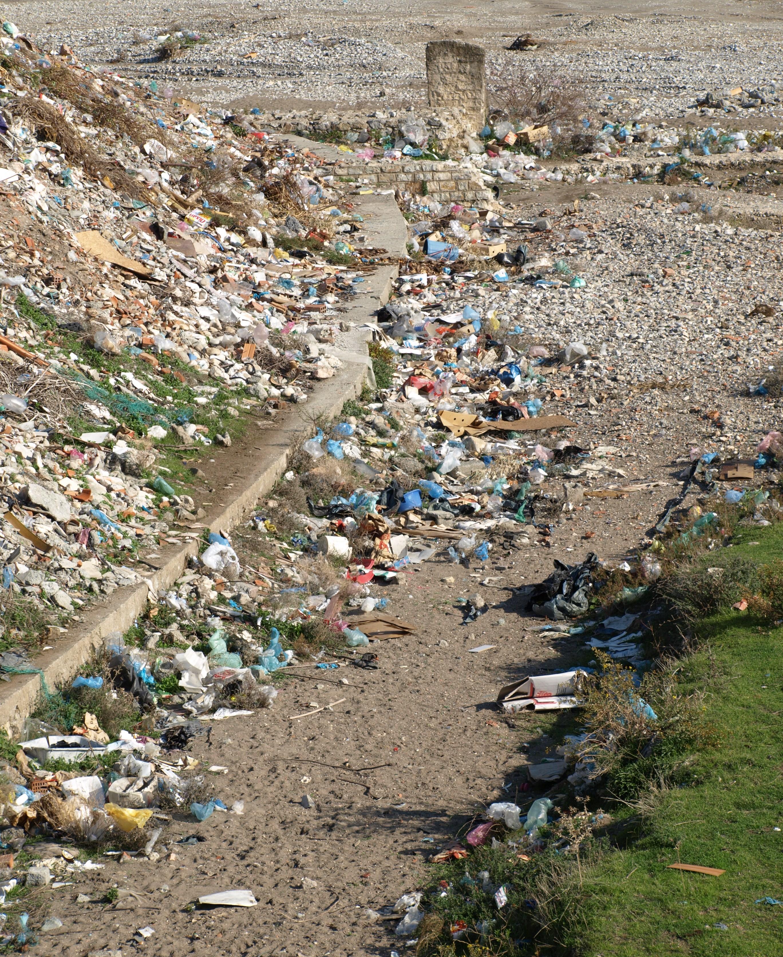 Rubbish in Kir River