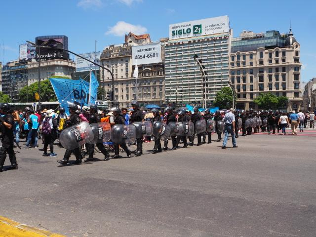 Riot Police at rear of Barrios de Pie demonstration