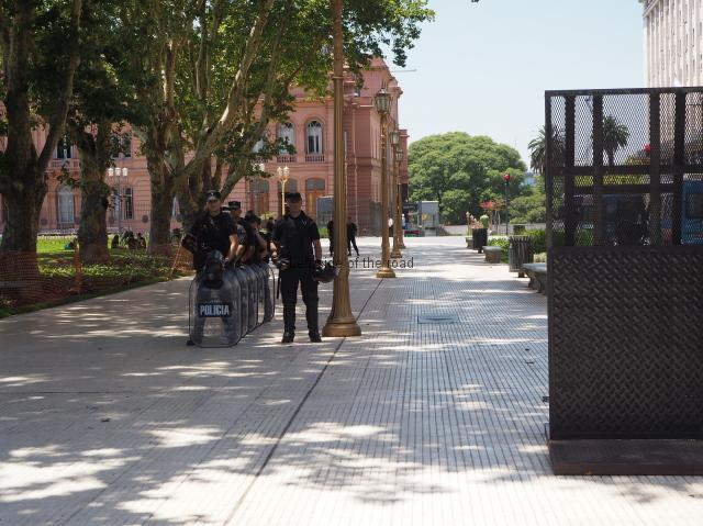 Riot Police inside first fence of the Casa Rosada